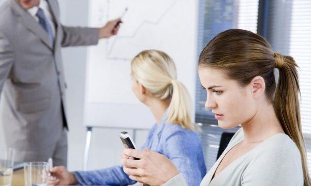 Participantes multitarea, smartphones y formadores desesperados